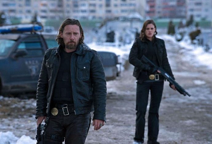 «Полиция будущего» на Первом канале на ночном канале «Городские пижоны»